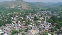 村书记说:每户认领3kW光伏电站,做股东能致富,村子也时尚!