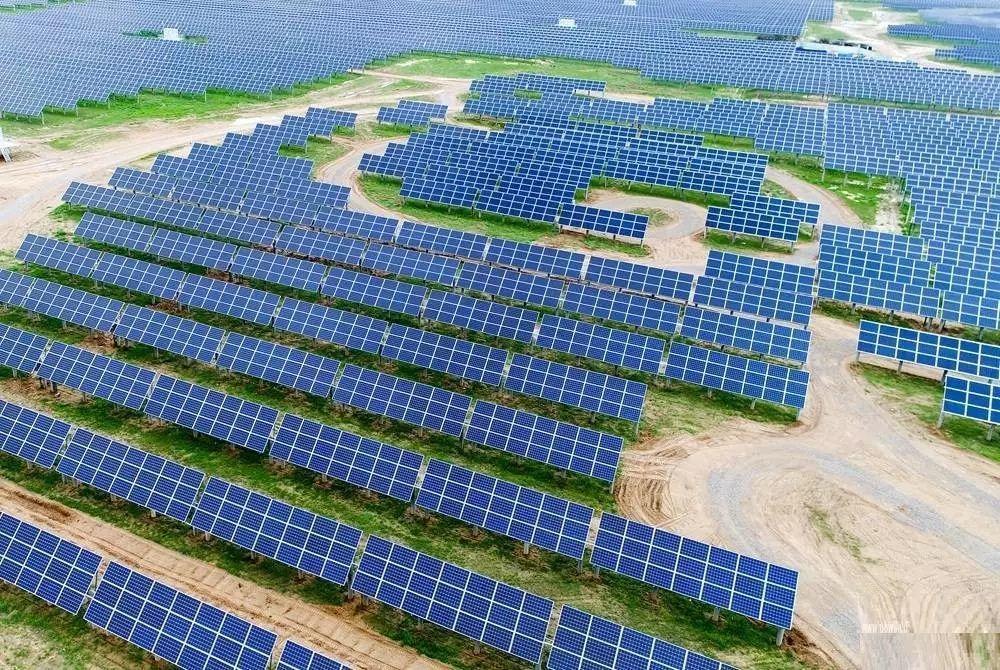 视频:大同首条柔性薄膜太阳能电池产线顺利投产运营