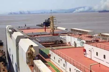 继高速光伏与机场光伏之后,首批船舶光伏项目在上饶鄱阳全面启动