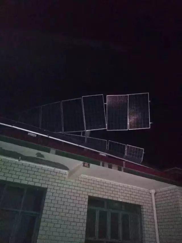 警惕 | 户用光伏电站这么装,离被吹翻不远了!