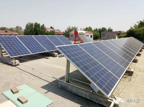 屋顶安装光伏电站,不仅是起到一个隔热降温,美观的效果,还能够创造绿色收益,给自家的屋顶保值