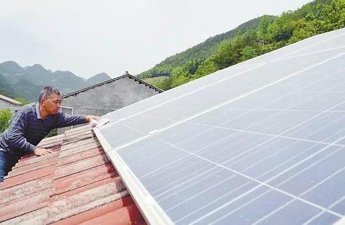 今年分布式仅剩2.4GW空间?扶贫不得扩大、能源局严格控制光伏发展,何去何从……