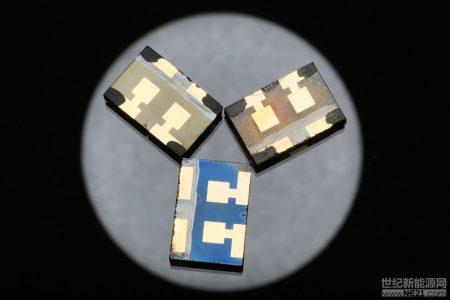 科学家们在钙钛矿上添加新涂层