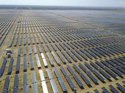 组件价格下跌为美国公用事业太阳能市场高效率产品打开大门